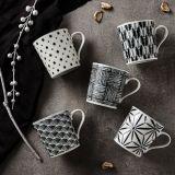 Taza de café de cerámica impresa etiqueta modificada para requisitos particulares OEM de la porcelana promocional con insignia