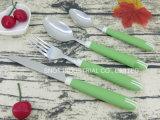 Reeks van het Bestek van het Handvat van het bestek de Vastgestelde Kleurrijke Plastic