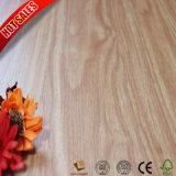 安い価格4mmクリックPVC堅材のフロアーリング