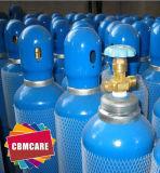 救急車の呼吸の酸素ボンベ