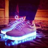 2019 Nouvelle mode des chaussures de LED de charge USB