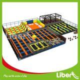 Ninja Courseの大きいIndoor Trampoline Park