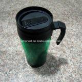 Doppel-wandige thermische Arbeitsweg-Plastikkaffeetasse mit Kappe