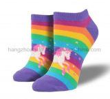 虹のユニコーンの漫画デザイン快適な足首のソックス