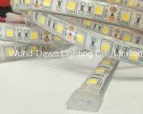 セリウムRoHS適用範囲が広いテープライト2年の保証IP68の半月SMD 5050 LED