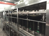 Le plastique Buckets la chaîne de production remplissante de l'eau pour la catégorie comestible 5 gallons