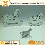 Das hölzerne Pferd ist zu galvanisierenkerze-Halter konzipiert