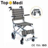 Aluminiumminifalz-bewegliches leichtes Flugzeug-begleitender Gang-Rollstuhl