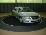 Plataforma giratória do estacionamento do carro da entrada de automóveis