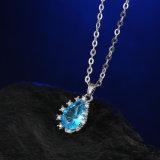 AAAの立方ジルコンのロジウムによってめっきされる方法低下イヤリングおよびネックレスの一定の宝石類が付いている真鍮の宝石類