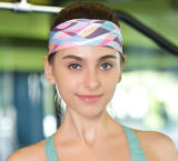 O presente da promoção impresso ostenta o Headband, acessórios do cabelo