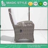 テラスの柳細工のPneumaticaの椅子の庭の藤はクッションの藤の編むことを用いる屋外のソファーセットがソファーを緩める椅子を緩める