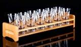 La aduana grabó el sostenedor de madera sólido de la insignia para el conjunto del vidrio de vino
