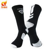 Comercio al por mayor de los hombres de algodón personalizadas Deportes Baloncesto Non-Slip calcetines