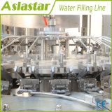 Reine trinkende Mineralwasser-automatische Füllmaschine beenden