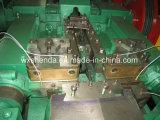 A inspeção de Strick fácil opera o prego que faz a máquina