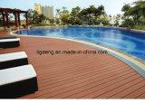 Um deck exterior WPC Painel/Wood-Plastic deck composto/WPC Plank