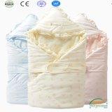 Hoddieのマルチカラー方法デザイン100%有機性綿の赤ん坊毛布
