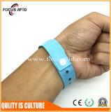 Совместимый Wristband MIFARE 1K RFID с логосом напечатал