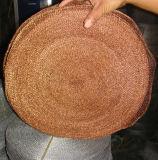 真鍮ワイヤーによって編まれる金網