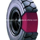 トレーラーおよびローダーで使用されるポリウレタン満ちるタイヤ
