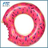 수영풀을%s 물린 도넛 팽창식 수영장 부유물