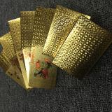 os cartões de jogo plásticos do póquer do ouro 24k com projetam