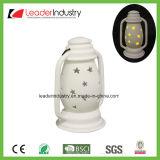 새로운 디자인 크리스마스 장신구를 위해 변화하는 LED 색깔을%s 가진 백색 세라믹 촛대