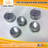 Cnc-Maschine zerteilt Stahlmetallprototyp