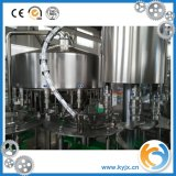 Macchina di rifornimento della spremuta di prezzi di fabbrica 8000bph per l'animale domestico e la bottiglia di vetro