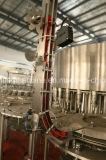 Автоматические завалка бутылки минеральной вода и оборудование запечатывания