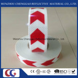 결정 격자를 가진 빨강과 백색 화살 PVC 사려깊은 테이프