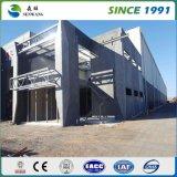 Almacén de la estructura de acero con la pared de la hoja de acero