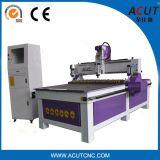 Maquinaria de madera del CNC 1300 * 2500m m / máquina de corte de madera del ranurador del CNC con rueda de la presión
