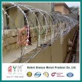 工場空港塀のための直接電流を通されたかみそりの有刺鉄線かアコーディオン式かみそりワイヤー