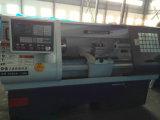 máquina de torno CNC con el sistema de control T988GSK (Pesado alargar CK6140-B).