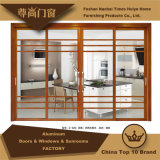 Раздвижные двери традиционного деревянного зерна алюминиевые с декоративной стеклянной панелью