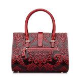 2017 fleurs de modèle de mode ont gravé les sacs à main en cuir rouges pour des femmes
