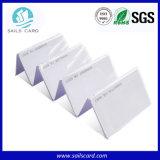 En PVC blanc de la carte à puce RFID