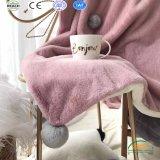 Couleur pure de la literie des couvertures en laine polaire de flanelle 2018 nouvelle conception avec fourrure décoration à billes