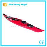 Kayak de mer unique s'asseoir dans la voile Bateau de pêche