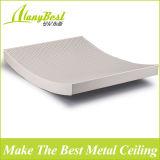 Plafond irrégulier ondulé en aluminium pour bâtiment à la mode
