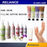 El cuidado personal la mano de crema o loción de máquina de llenado y tapado