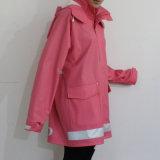 Dunkler rosafarbener mit Kapuze wasserdichter PU-Regenmantel