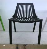 Silla del banquete del plegamiento del plástico del metal que cena la silla de Eames de la silla