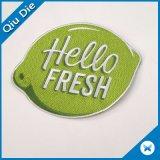 Kundenspezifische Stickerei gesponnene Änderung- am Objektprogrammselbstklebende Änderungen am Objektprogramm für Kleidung