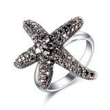 Anel de ouro branco de cristal da jóia feita sob encomenda da forma do projeto dos Starfish