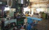 Industrieller Maschinen-Stahl, der Teile stempelt
