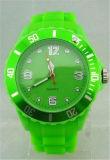Reloj del deporte de la jalea de las mujeres del reloj del cuarzo del silicón de las mujeres de la manera Yxl-821, señora Cheap Brand Wtach
