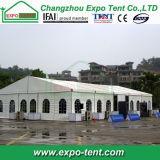 Grande tente extérieure provisoire d'exposition